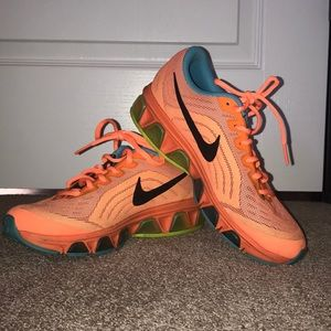Nike Shoes - Nike Air Max Tailwind 6
